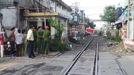 Đoạn đường sắt Bắc - Nam giao với đường Huỳnh Văn Bánh,nơi người phụ nữ lao vào đường ray và tử vong