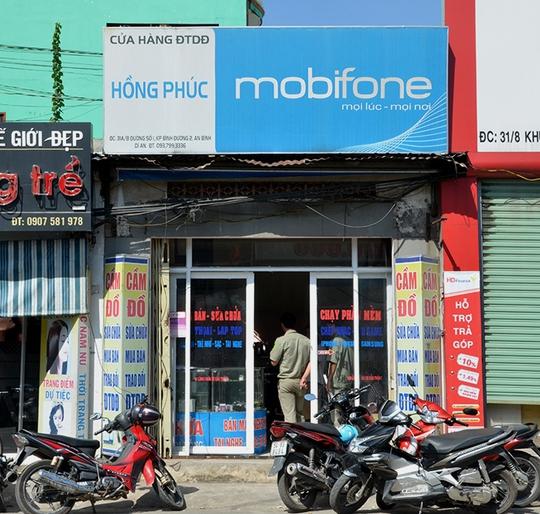 Cửa hàng điện tử Hồng Phúc nới xảy ra vụ trộm táo tợn.