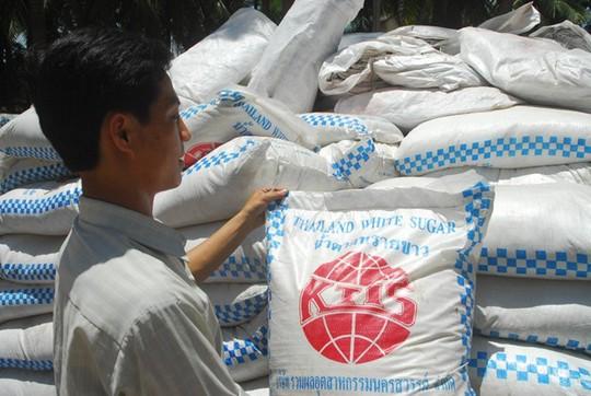 Những bao đường Thái Lan được ngành chức năng An Giang bắt giữ.