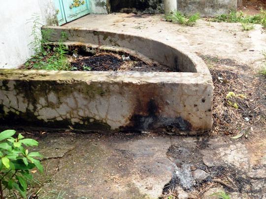 Hiện trường nơi nhóm cẩu tặc nghi dùng súng bắn khiến ba thanh niên thiệt mạng trên đường Nguyễn Kim Cương vào tối ngày 14-6.