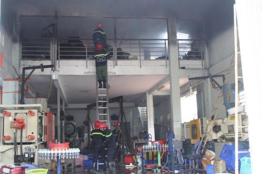 Toàn bộ tầng 2 bị lửa thiêu rụi
