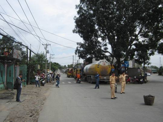 Cảnh sát giao thông đến điều tiết giao thông
