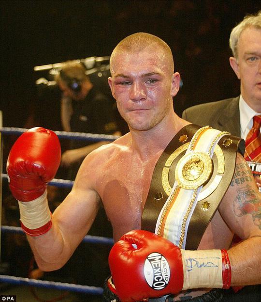 Moore vô địch Đại hội Thể thao Khối thịnh vượng chung năm 2004