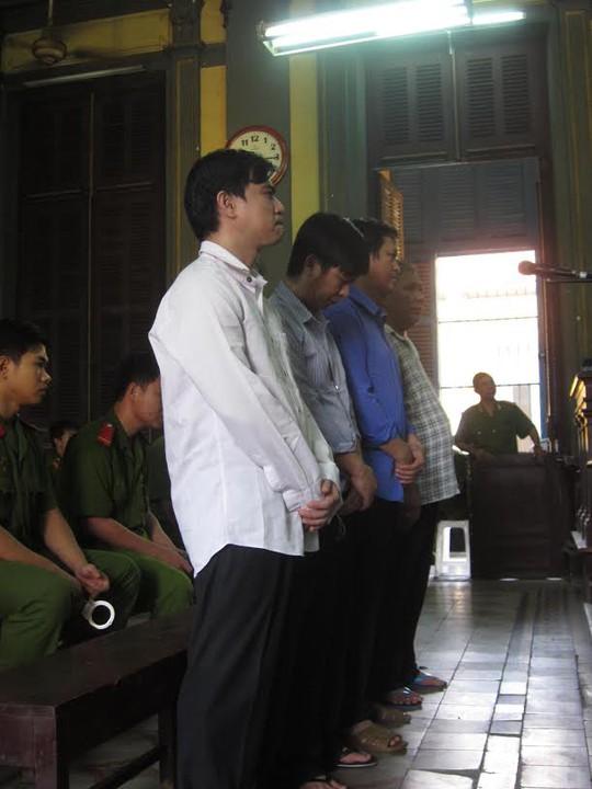 Các bị cáo tại phiên phúc thẩm