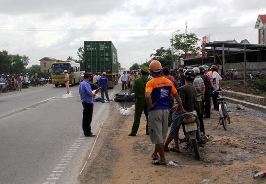 Hiện trường vụ tai nạn giao thông khiến nữ sinh viên tử vong trong ngày Phụ nữ Việt Nam