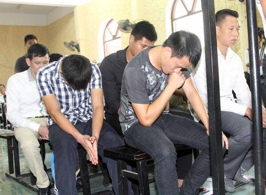 9 cầu thủ V.Ninh Bình và người môi giới Đào Đức Lợi trong phiên tòa cuối tháng 8-2014