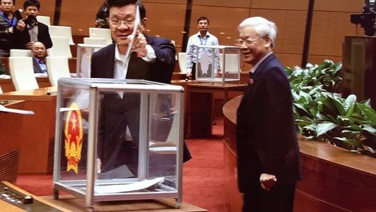 Tổng Bí thư Nguyễn Phú Trọng, Chủ tịch nước Trương Tấn Sang bỏ phiếu