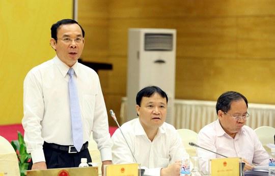 Ông Nguyễn Văn Nên (đứng) chủ trì phiên họp chiều 29-10