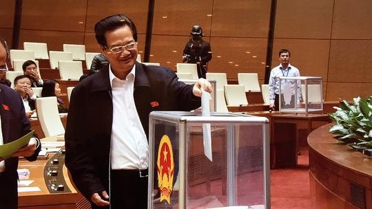 Thủ tướng Nguyễn Tấn Dũng bỏ phiếu