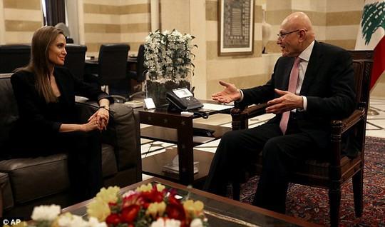Angelina gặp gỡ Thủ tướng Lebanon