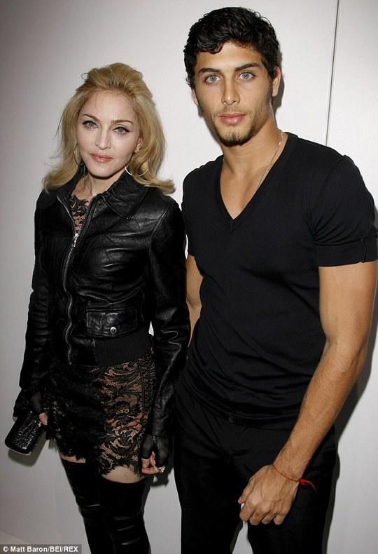 Madonna với Jesus Luz