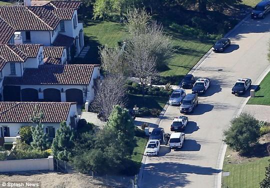 Biệt thự của Justin Bieber vương vãi cần sa?