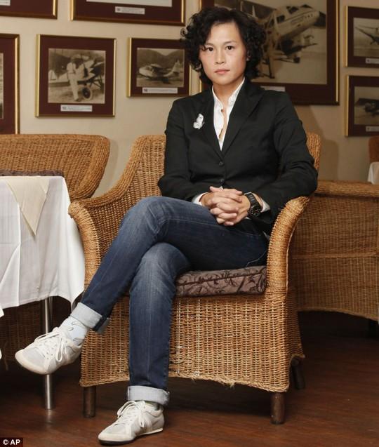 Gigil Chao không bị lay chuyển dù từng có tới 20.000 người đàn ông muốn theo đuổi cô vì món tiền thưởng khổng lồ