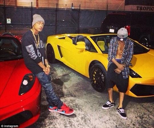 Justin và người bạn rapper bị bắt