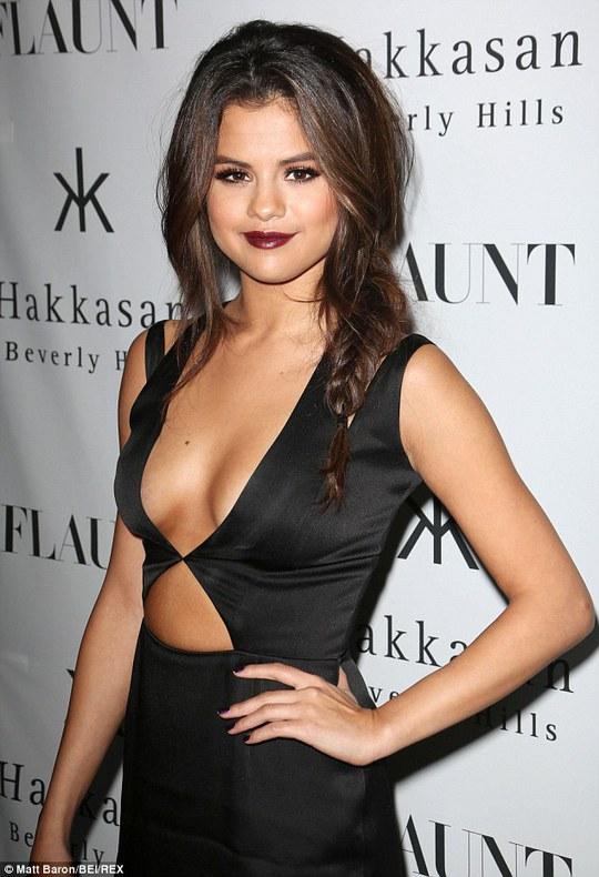 Bắt kẻ xâm nhập tư gia Selena Gomez