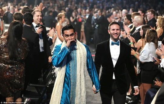 33 cặp đôi đồng tính trao nhẫn tại Grammy 2014