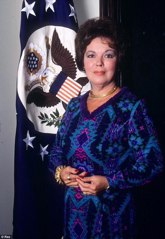 Bà gây ấn tượng trong vai trò nhà ngoại giao, đại sứ của Mỹ tại một số nước