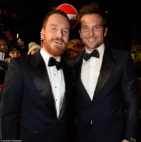 Bradley Cooper và Michael Fassbender