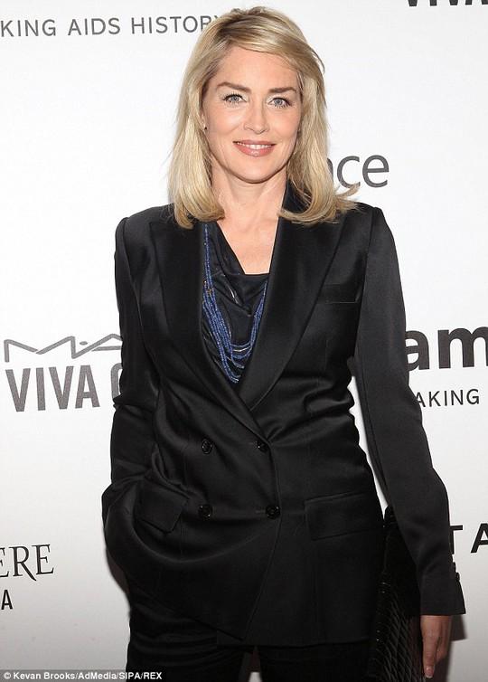 Sharon Stone kiện nhà sản xuất phim
