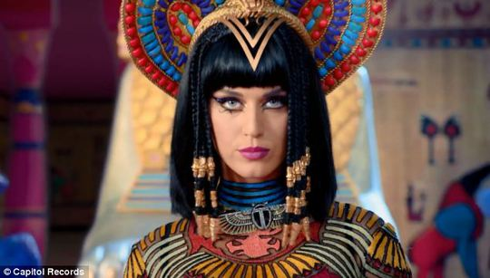 Katy Perry trong video mới