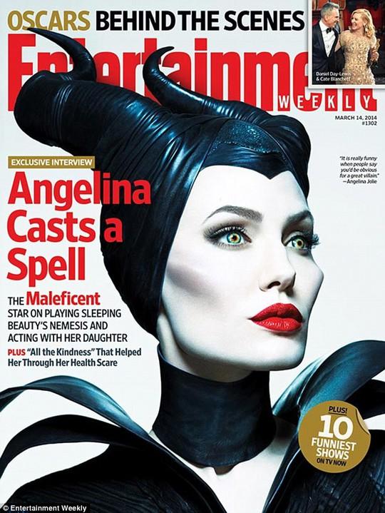 """Pax Thiên từng khóc khi thấy Angelina hóa """"phù thủy"""""""