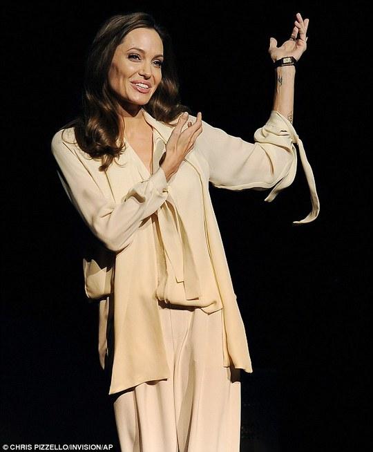Angelina nói về phim mới do mình đạo diễn