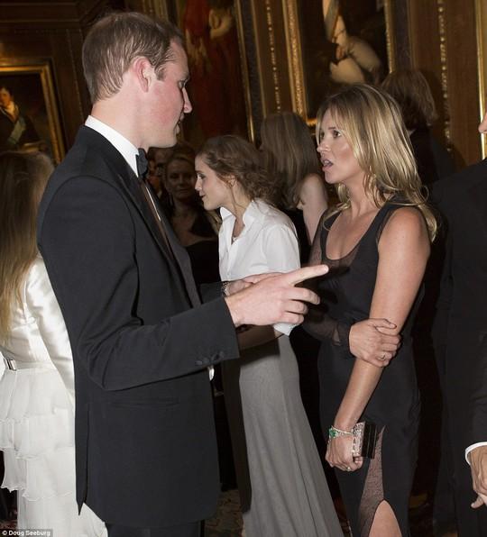 Mỹ nhân Hollywood lộng lẫy diện kiến hoàng tử Anh