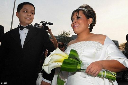 Người phụ nữ kết hôn với Uribe năm 2008