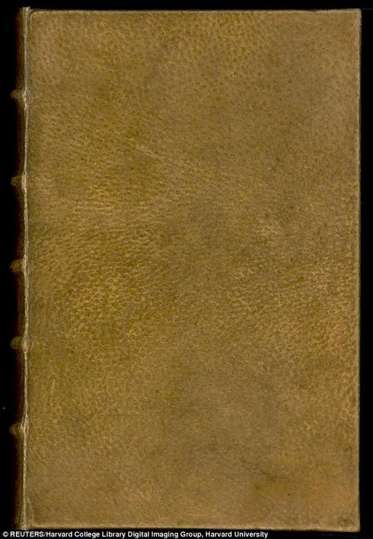 Bìa sách được bọc bằng da người