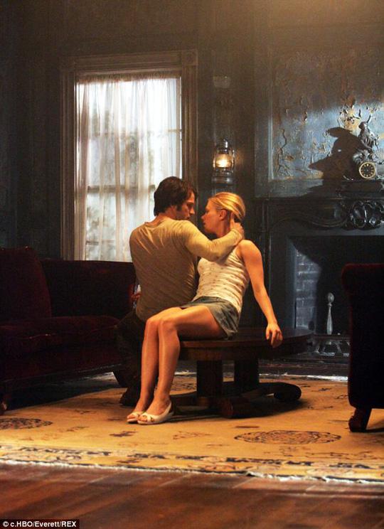 """Anna Paquin tiết lộ chuyện đóng cảnh """"sex"""""""