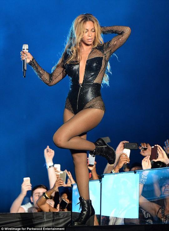 Beyoncé đánh bại chồng, quyền lực nhất thế giới