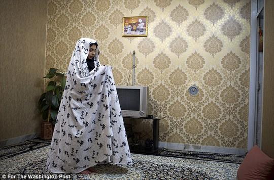 Mashid cho biết hôn nhân trẻ em rất phổ biến tại Iran. Ảnh: Washington Post