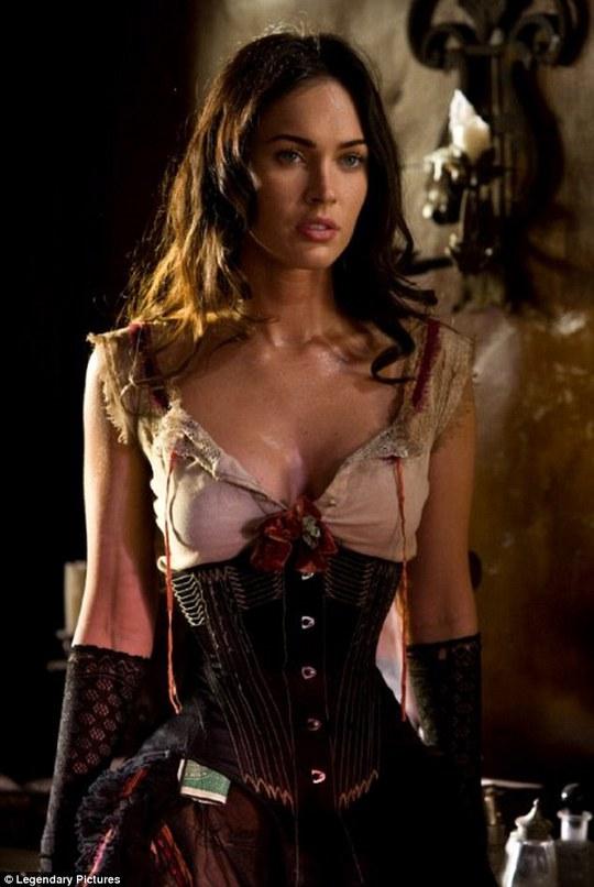 Megan Fox thường xuất hiện trong tạo hình quyến rũ trên phim