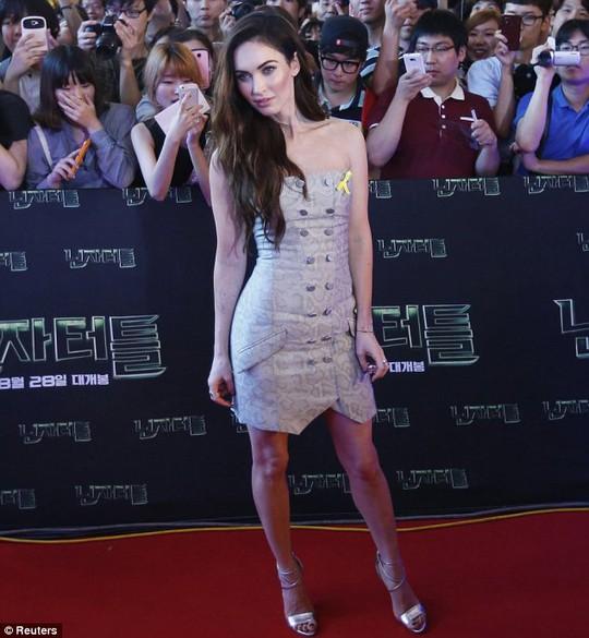 """""""Bom sex"""" Megan Fox đẹp ngất ngây ở Hàn Quốc"""