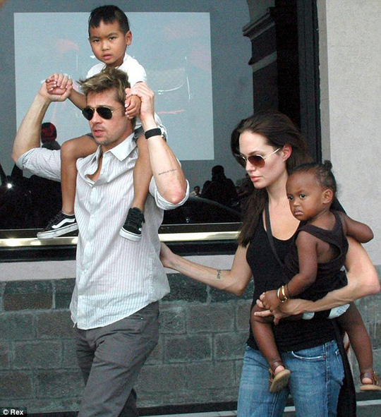 Brad Pitt và Angelina Jolie đã kết hôn