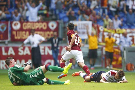 Bàn ấn định chiến thắng 2-0 cho AS Roma của Florenzi
