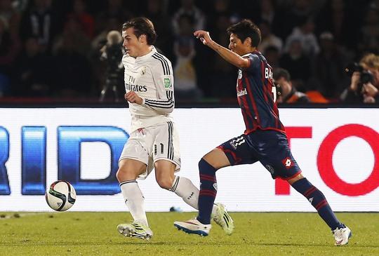 Gareth Bale trong trận Real Madrid thua AC Milan 2-4 rạng sáng 31-12