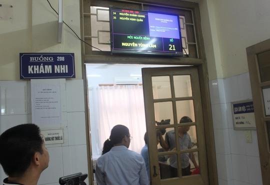 Bảng điện tử hiện thị tên và số thứ tự bệnh nhân tại BV Đa khoa tỉnh Quảng Ninh