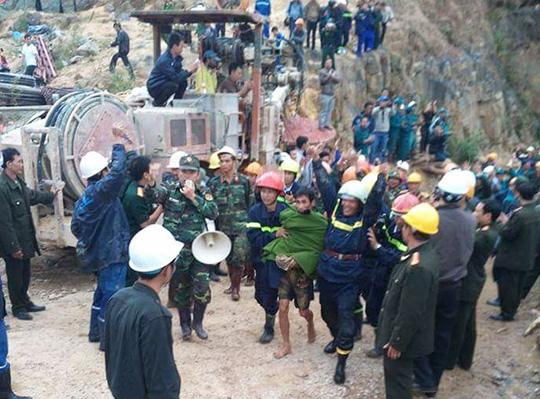 Một trong những nạn nhân được giải cứu đầu tiên Ảnh: Báo Lâm Đồng