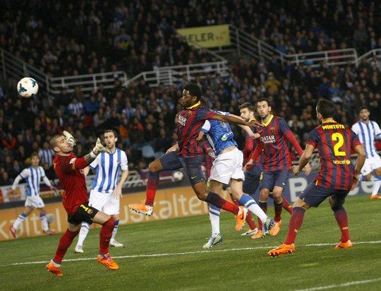 Thất bại đồng nghĩa Barca để Real vượt mặt chiếm ngôi đầu với khoảng cách ba điểm