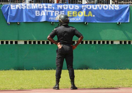 Lực lượng an ninh đành bất lực vì quá mỏng