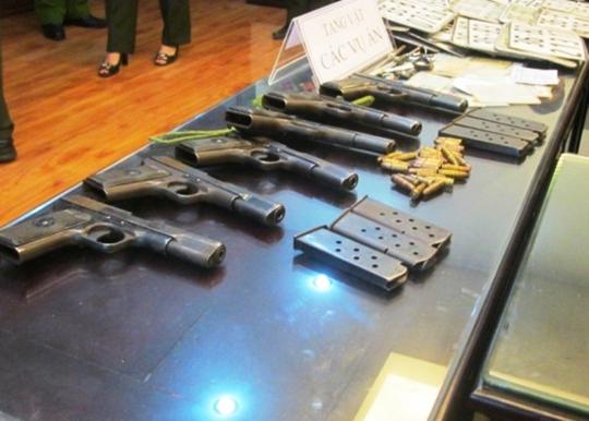 Số súng, đạn K54 do Cao Hoàng Long và Đỗ Thành Lâm lấy cắp tại Trại giam Thanh Phòng được công an thu hồi ngay sau đó