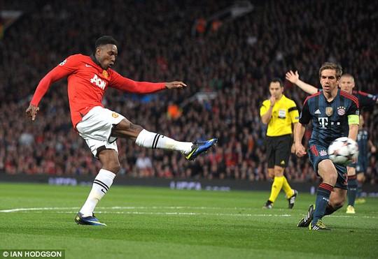 Welbeck chưa thể thay thế Rooney trên hàng công