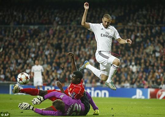 Benzema ghi bàn thắng duy nhất cho Real Madrid