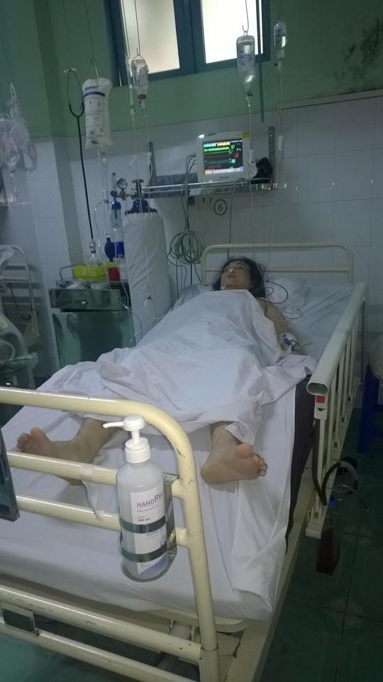 Bệnh nhân may mắn được cưu sống nhờ chuyển đến bệnh viện kịp thời.