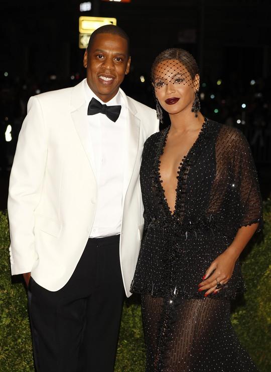 Vợ chồng Jay Z - Beyoncé đến dự Met Gala. Ảnh: Reuters