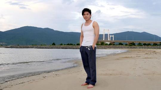 Đan Trường khoe ảnh chụp ở bờ biển Đà Nẵng