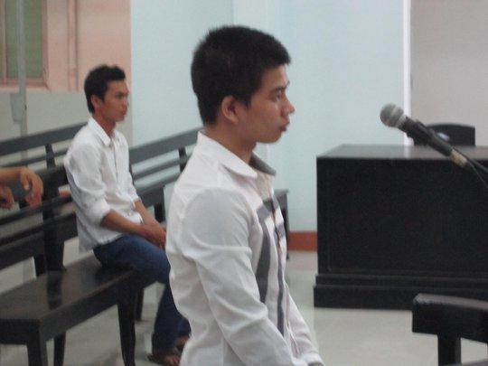 Bị cáo Nguyễn Hiếu Nghĩa trước vành móng ngựa.