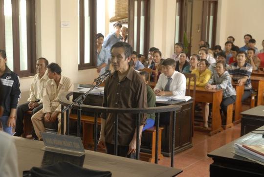 Bị cáo Nguyễn Văn Đồng tại phiên sơ thẩm TAND tỉnh Bình Phước ngày 24-9.