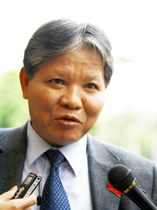 Bộ trưởng Bộ Tư pháp Hà Hùng Cường cho rằng biểu tình là một quyền cơ bản của người dân đã được Hiến pháp quy định và cần phải được điều chỉnh bằng Luật Biêu tình.